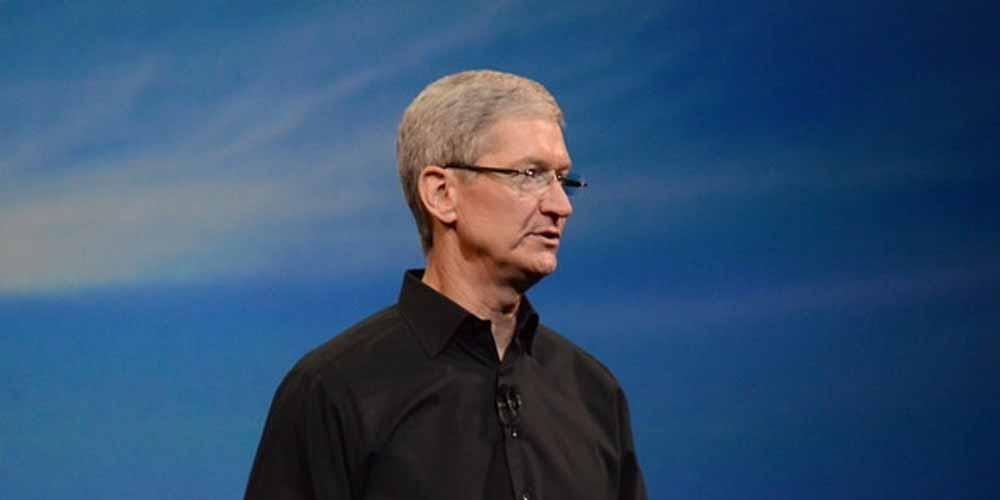 Apple Tim Cook difende la privacy dei pagamenti