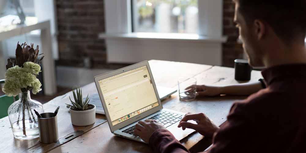 Modi per creare un home office meno caotico