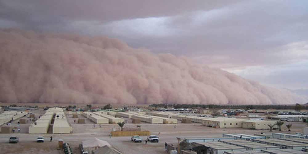 Tempesta di sabbia trasforma il giorno in un apocalisse