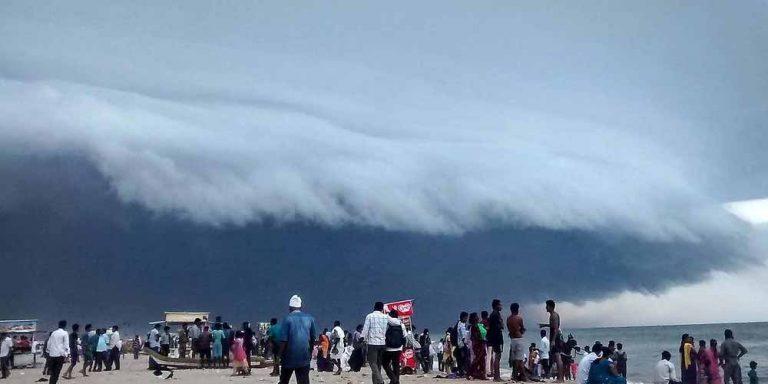 Tsunami di nuvole spaventa le persone in Cile