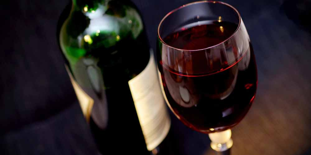 Alcol provoca molti tipi di cancro