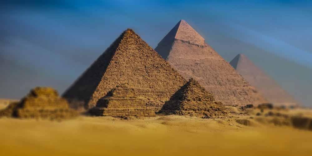 Esiste un oggetto non terrestre nella piramide di Cheope