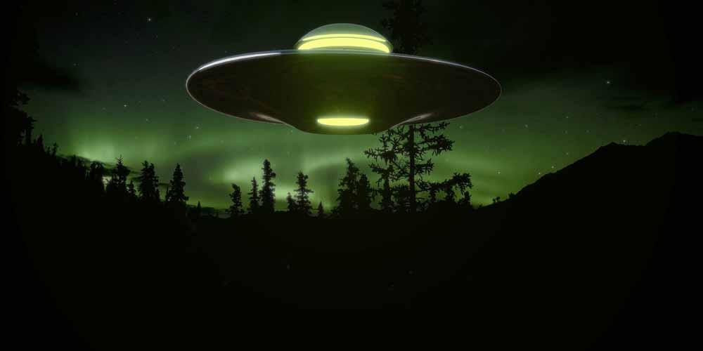 Uri Geller conferma Siamo in contatto con gli alieni da 50 anni