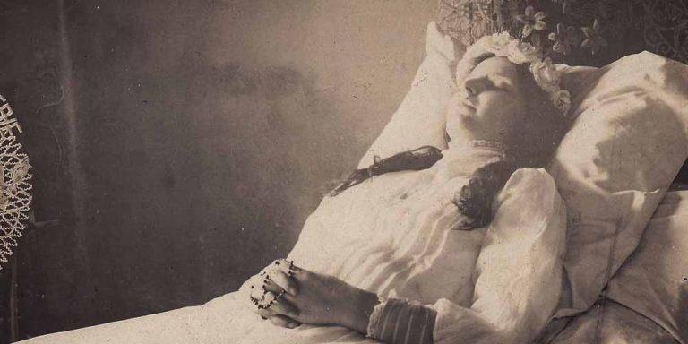 Perchè in epoca vittoriana erano ossessionati dalle foto dei morti