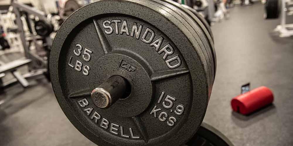 100 anni solleva pesi fino a 68kg