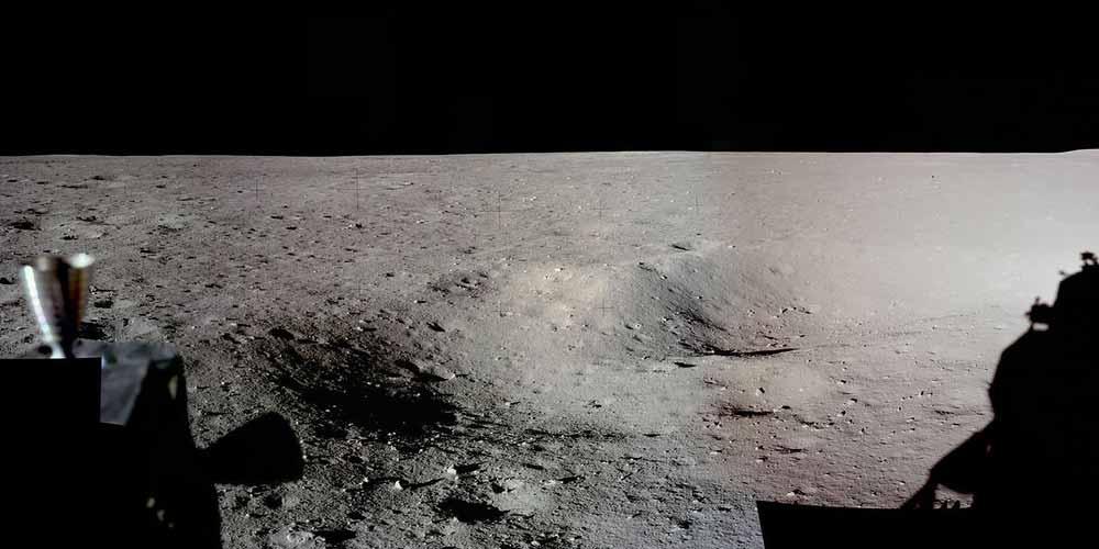 Molecole di acqua ritrovate sulla Luna