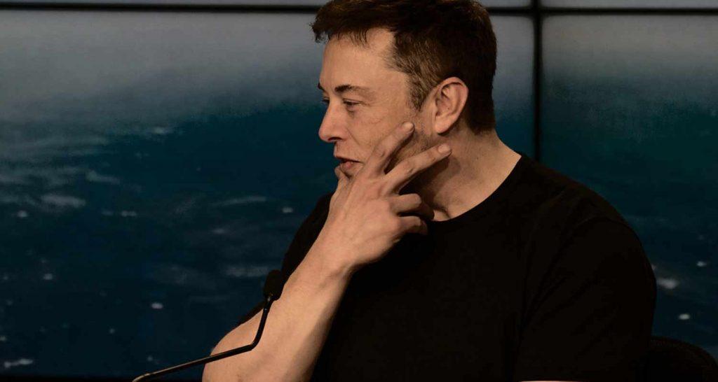 Elon Musk Gli Ufo esistono e sono sulla Terra