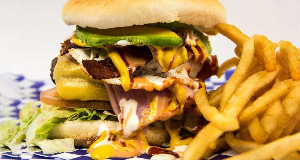 Gli alimenti da evitare per il colesterolo