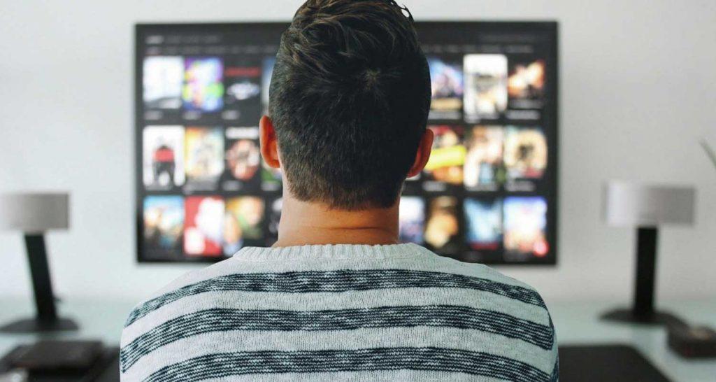 Guardare la tv fa bene lo dicono gli scienziati